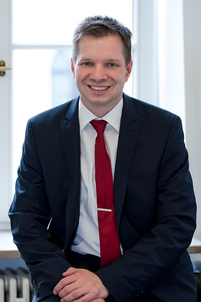 Dr. Sven Abels